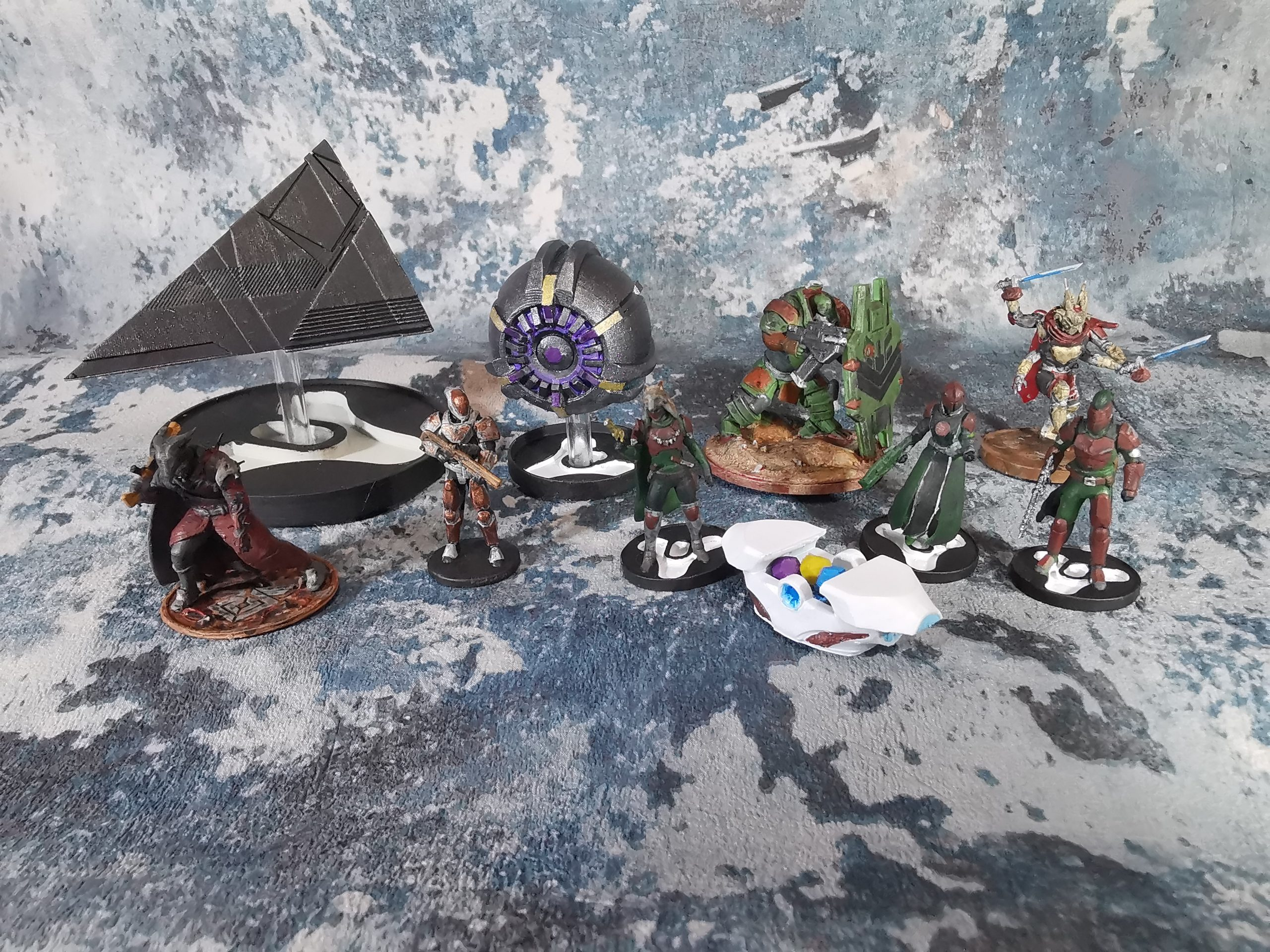 destiny-2-miniatures-1